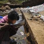 006-enfant-eau-fuyuan-yunnan