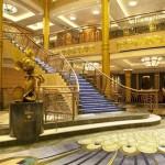 disney-fantasy-escalier