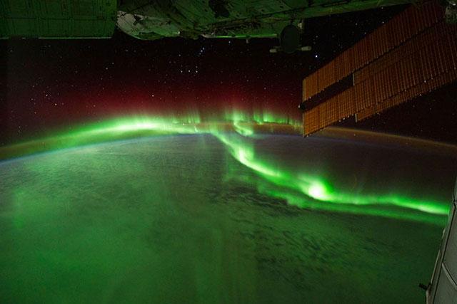 aurore boreale vue du ciel