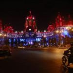 gare Chhatrapati Shivaji bleu blanc rouge